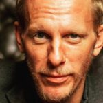 Laurence Fox criticised for wearing 'mask exemption badge'